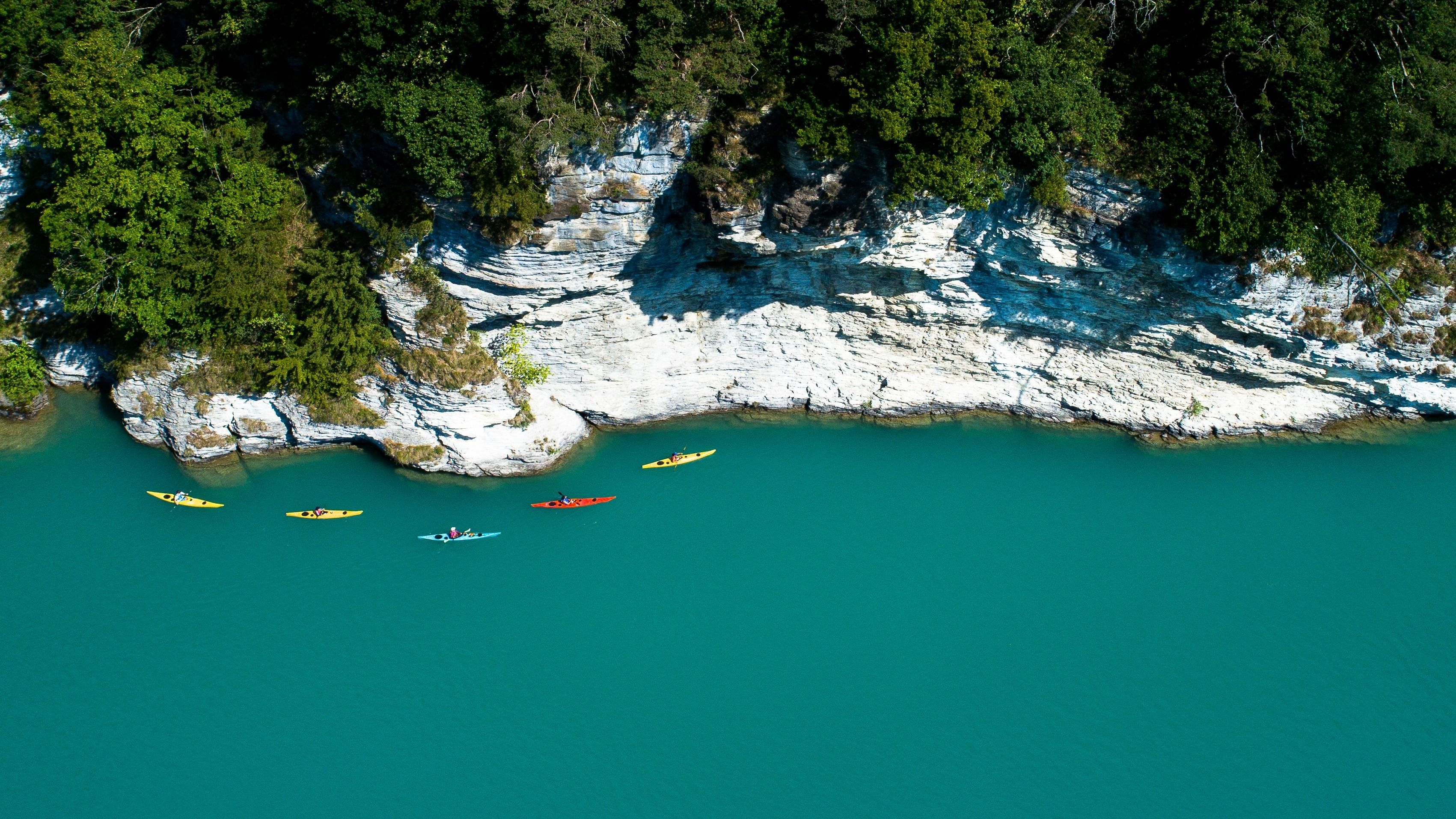 Kayaking for all levels - Tours & Courses on Swiss lakes