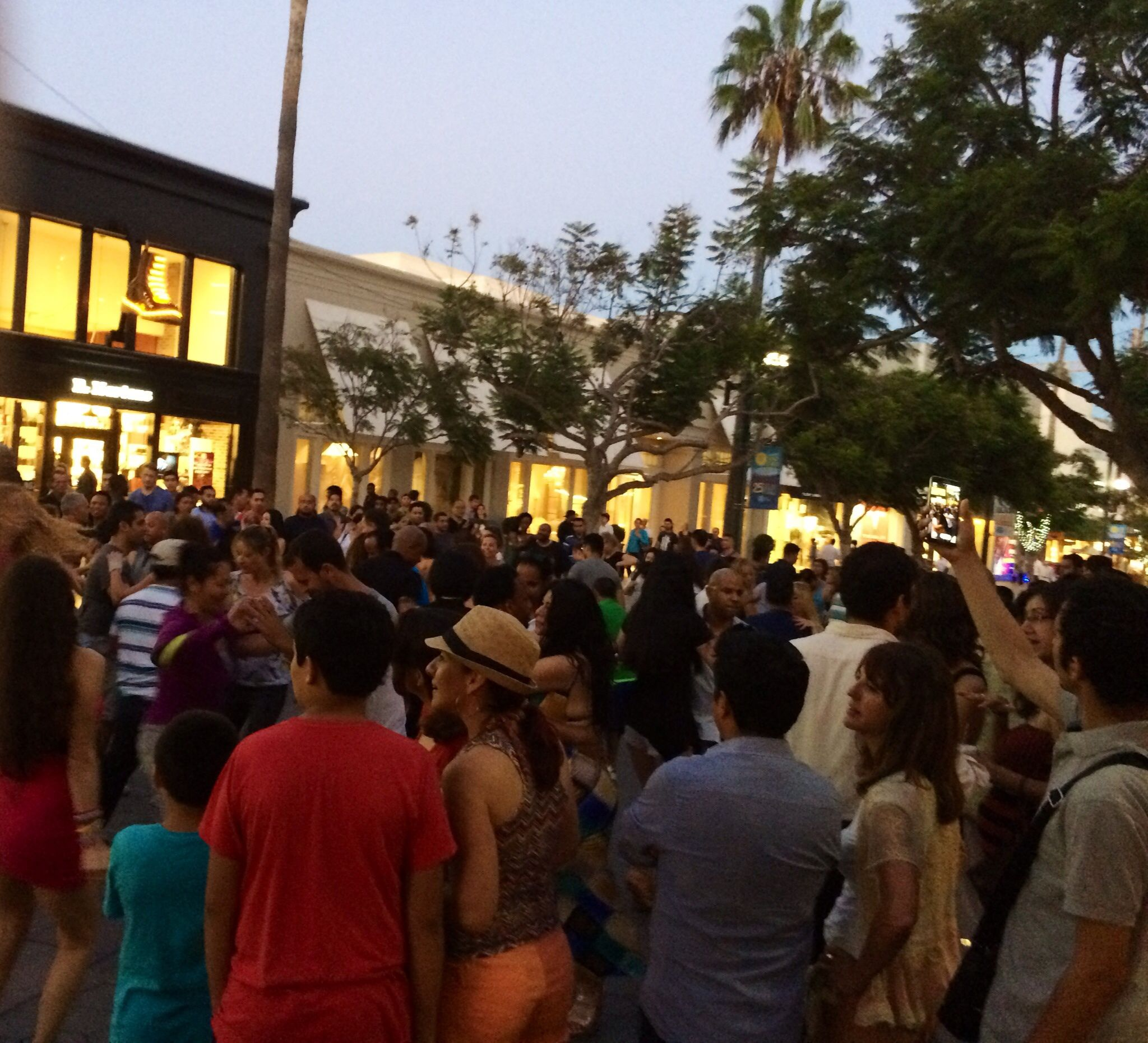 The Santa Monica Salsa Meetup Group - Salsa Familia!