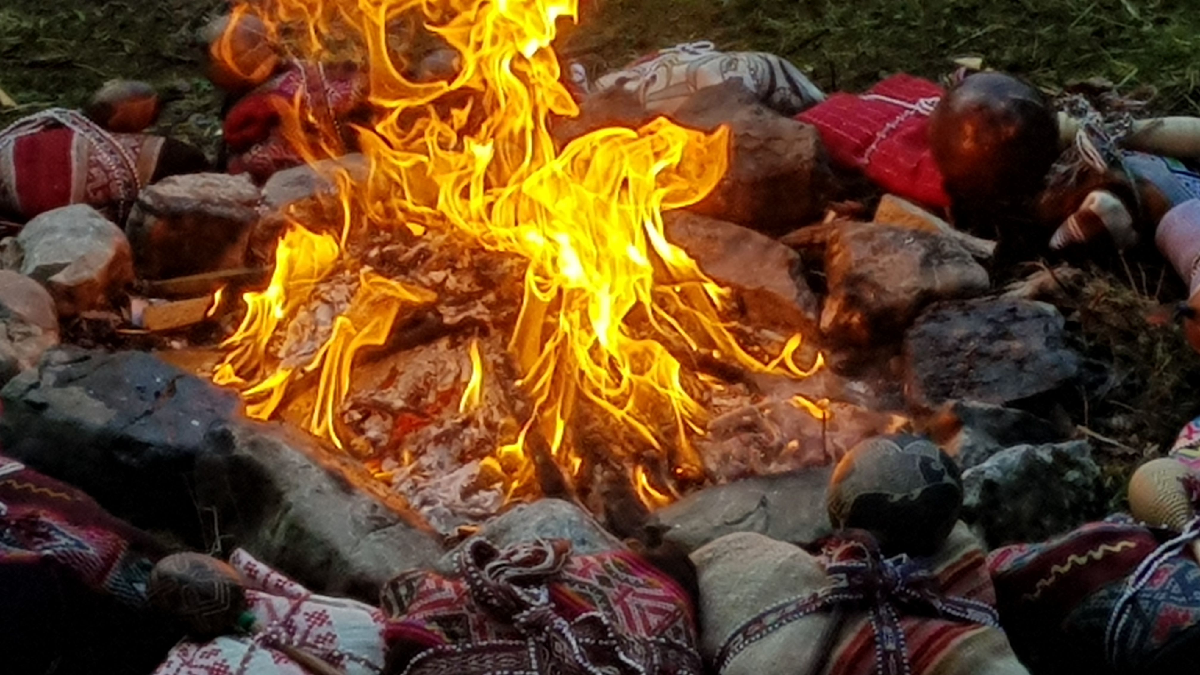 Fire ceremony for the New Moon in the Inca tradition