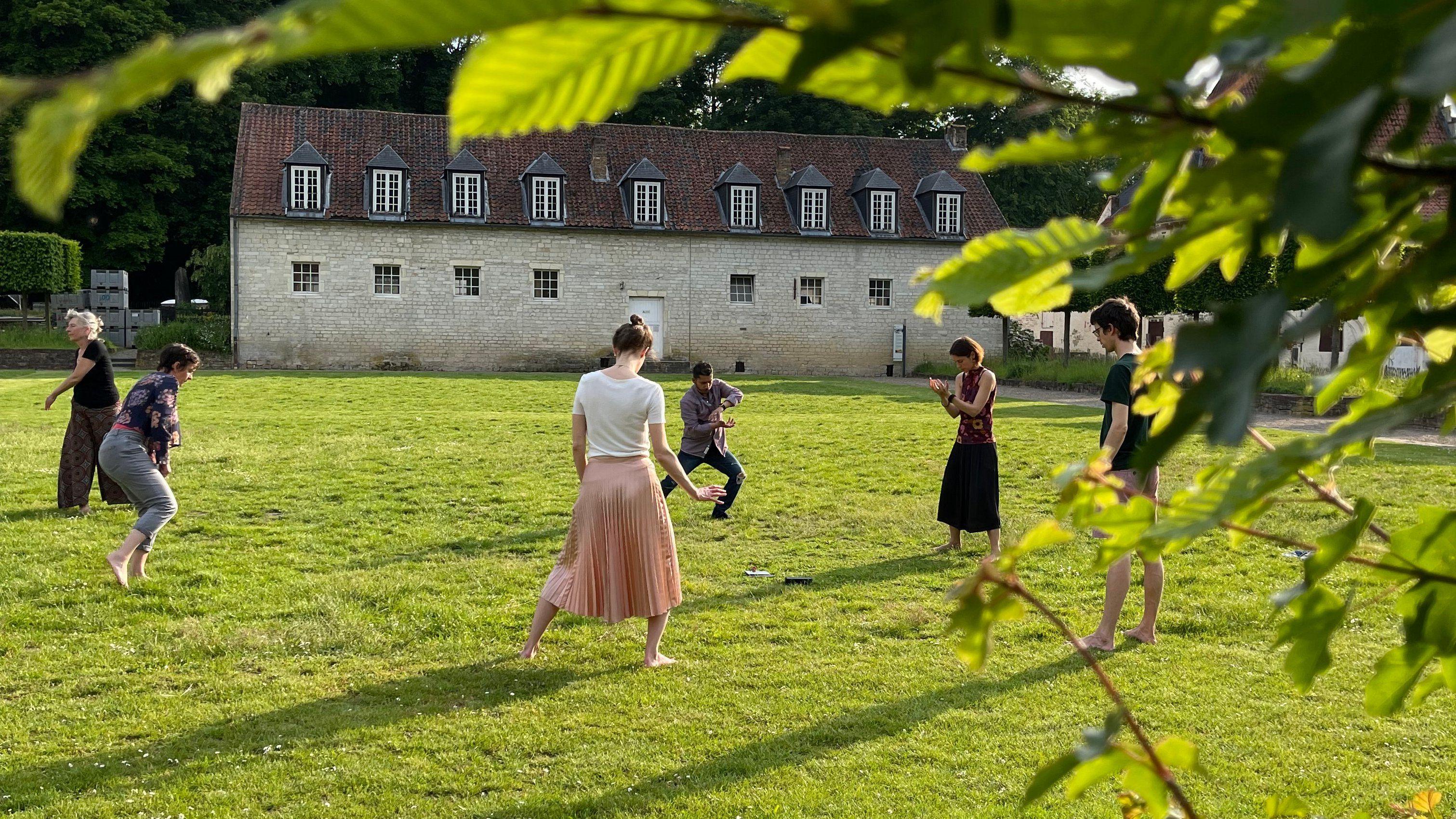 Atelier mouvement, danse et créativité au parc du Rouge-Cloître