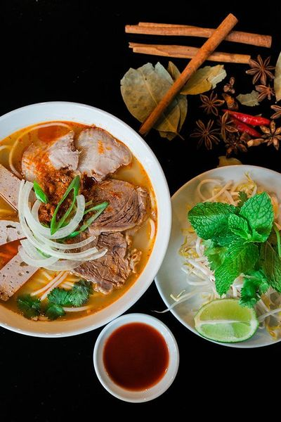 Superb Vee N Zed Has Recently Opened, They Serve Vietnamese Food And Head Chef  Caou0027s Takes On Some Of The Kiwi Favourites. The Restaurant Is Committed To  Provide ...