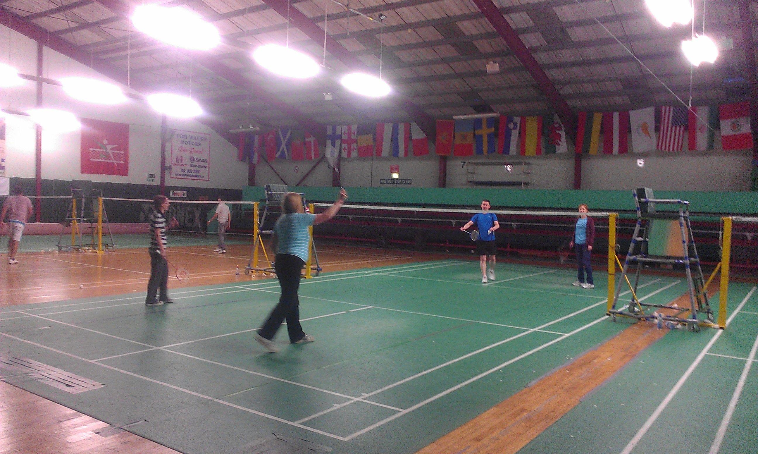 Social Badminton Meet-ups