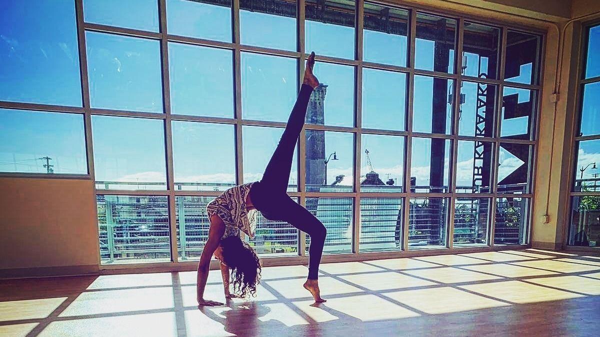 Yoga at SALT Kaka'ako Hawaii