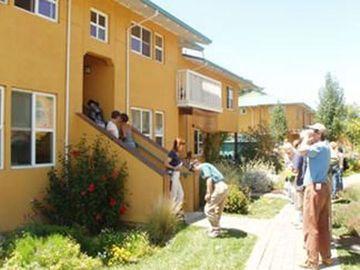 Pleasant Hill Cohousing tour visiting a home