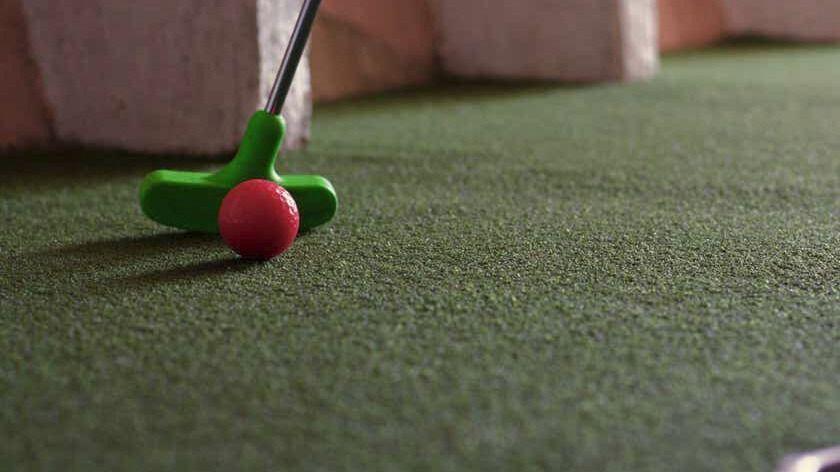 Singles Mini Golf Age 23-38