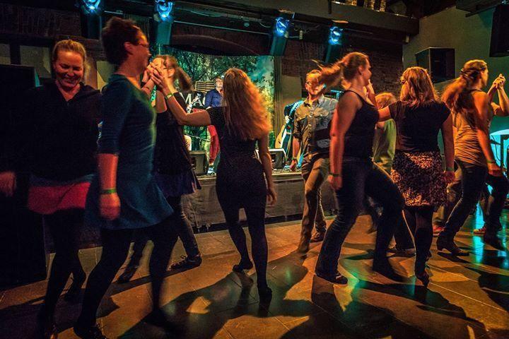 Traditional Irish Step and Céilí Dance