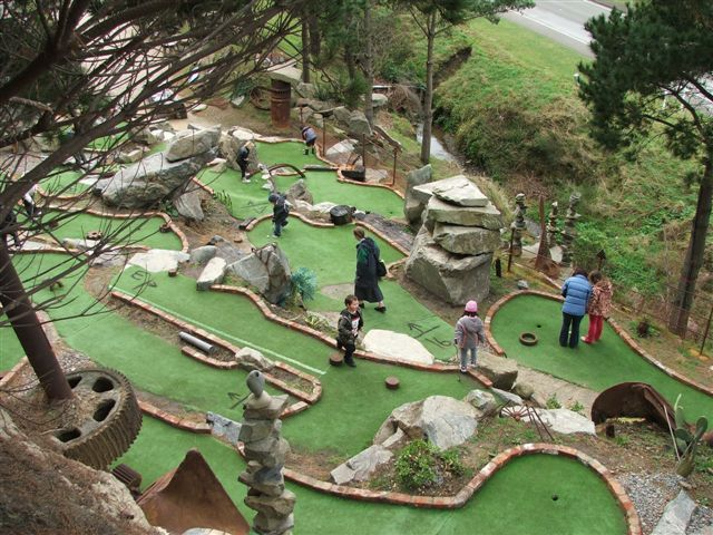 Wellington Mini Golf Club
