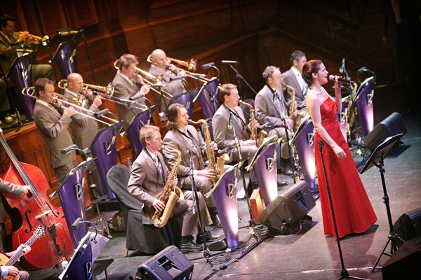 Fans of 30s, 40s & 50s Big Band Swing