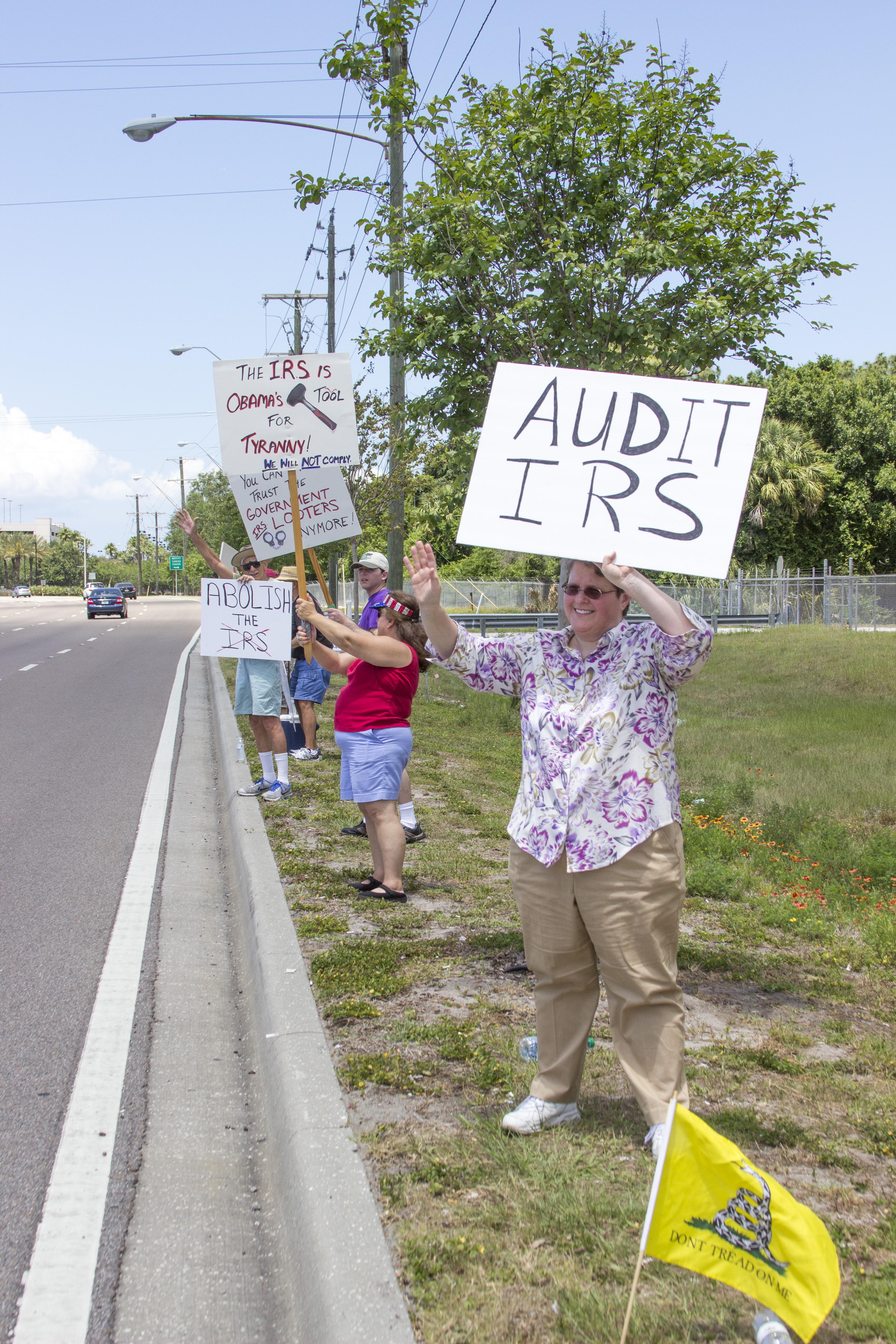 Tampa Tea Party Members!