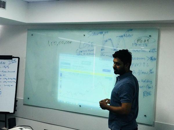 Learn the basics of stock market with IIFL at  Bengaluru