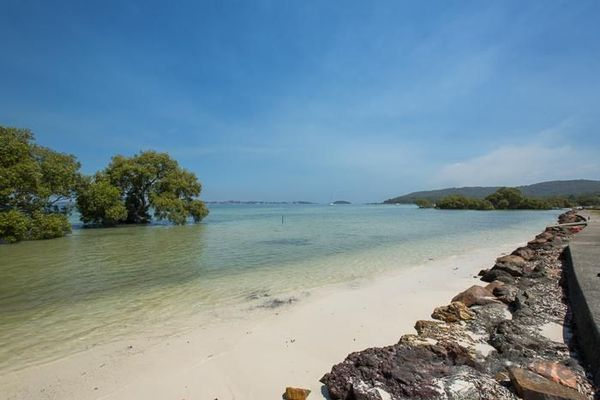 - HAWKS NEST - CORRIE ISLAND - PINDIMAR - MYALL RIVER