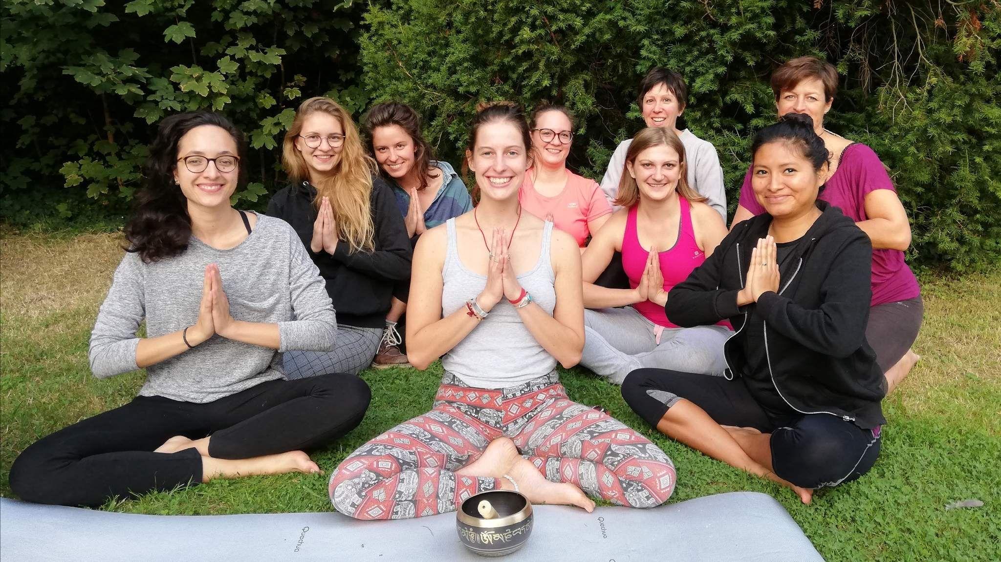 Yoga Thérapie du Coeur et de l'esprit avec Lou-strasbourg
