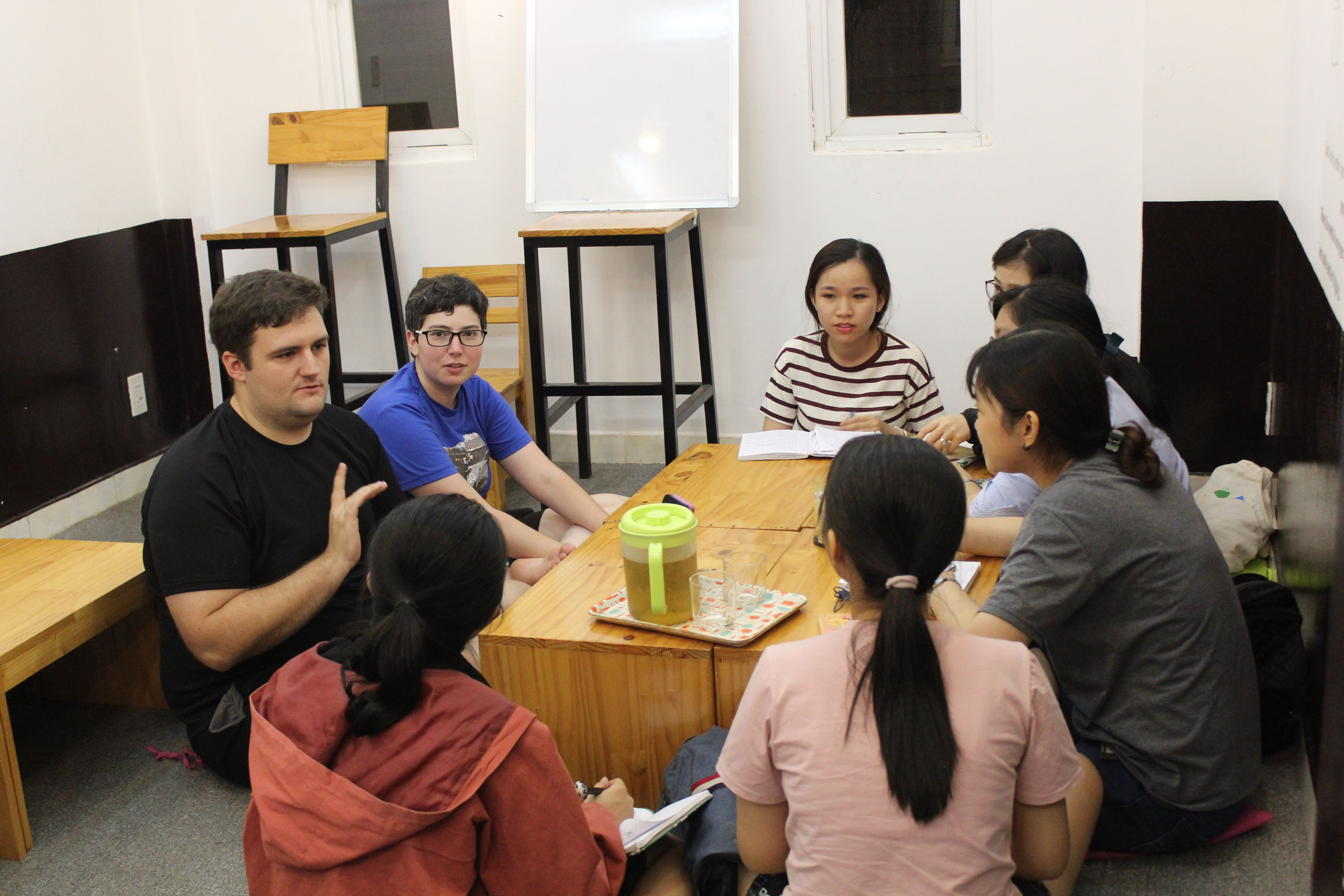Meet up & hang out with locals - HCMC