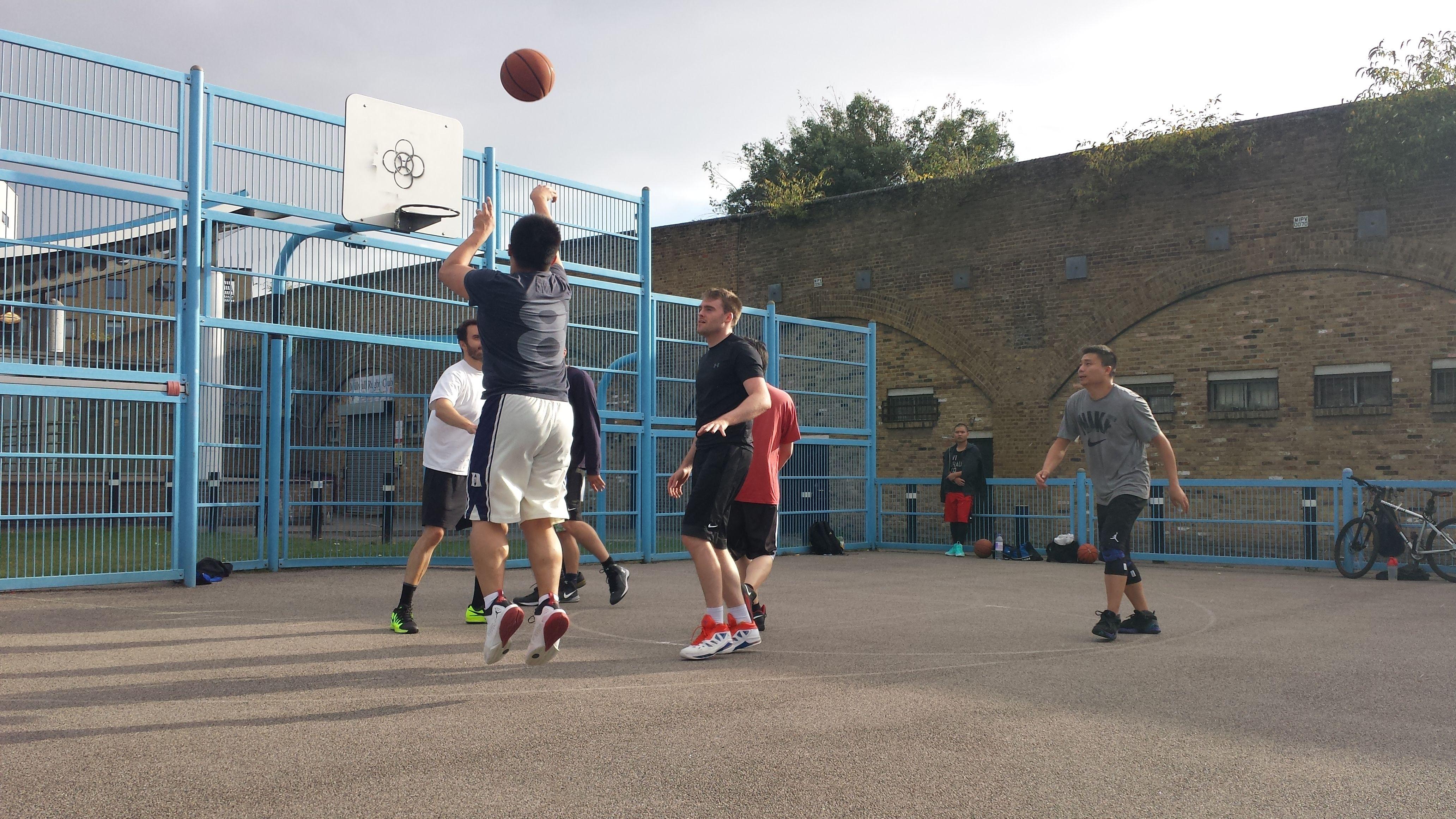 1hr britannia leisure centre mixed half court indoor for Indoor half court basketball cost
