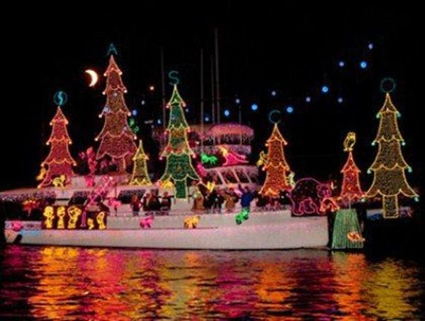 naples island 72nd annual boat parade and canal christmas walk