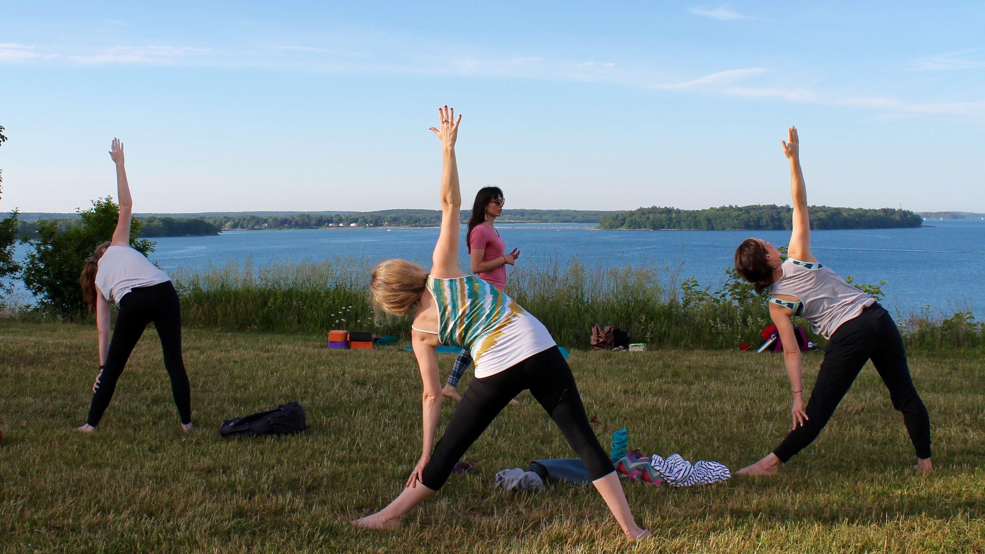 Outdoor Earthing Yoga