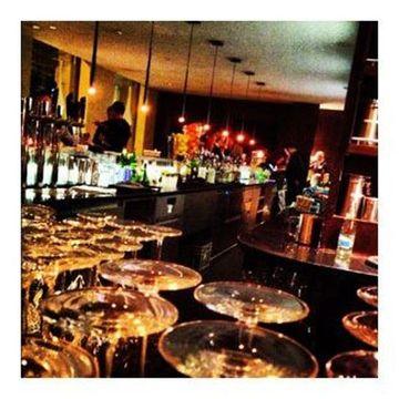 Goethe Bar at night.