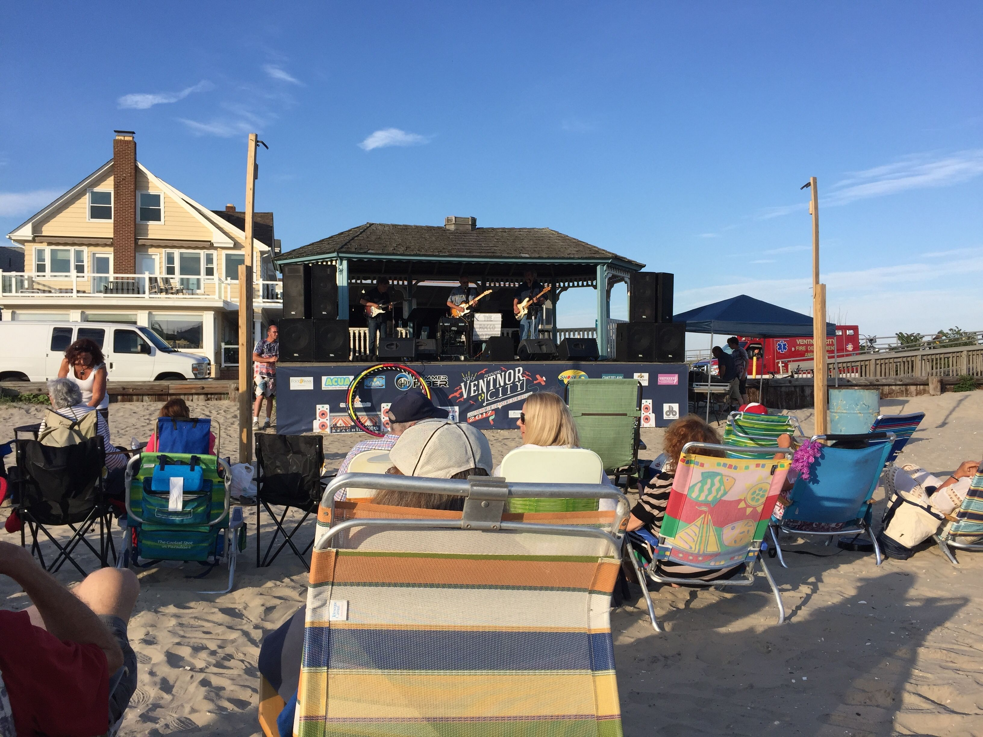 meet atlantic beach singles The shallow man writes about the seven best places to meet singles in amsterdam based on differing criteria and tastes there's something here for everyone.