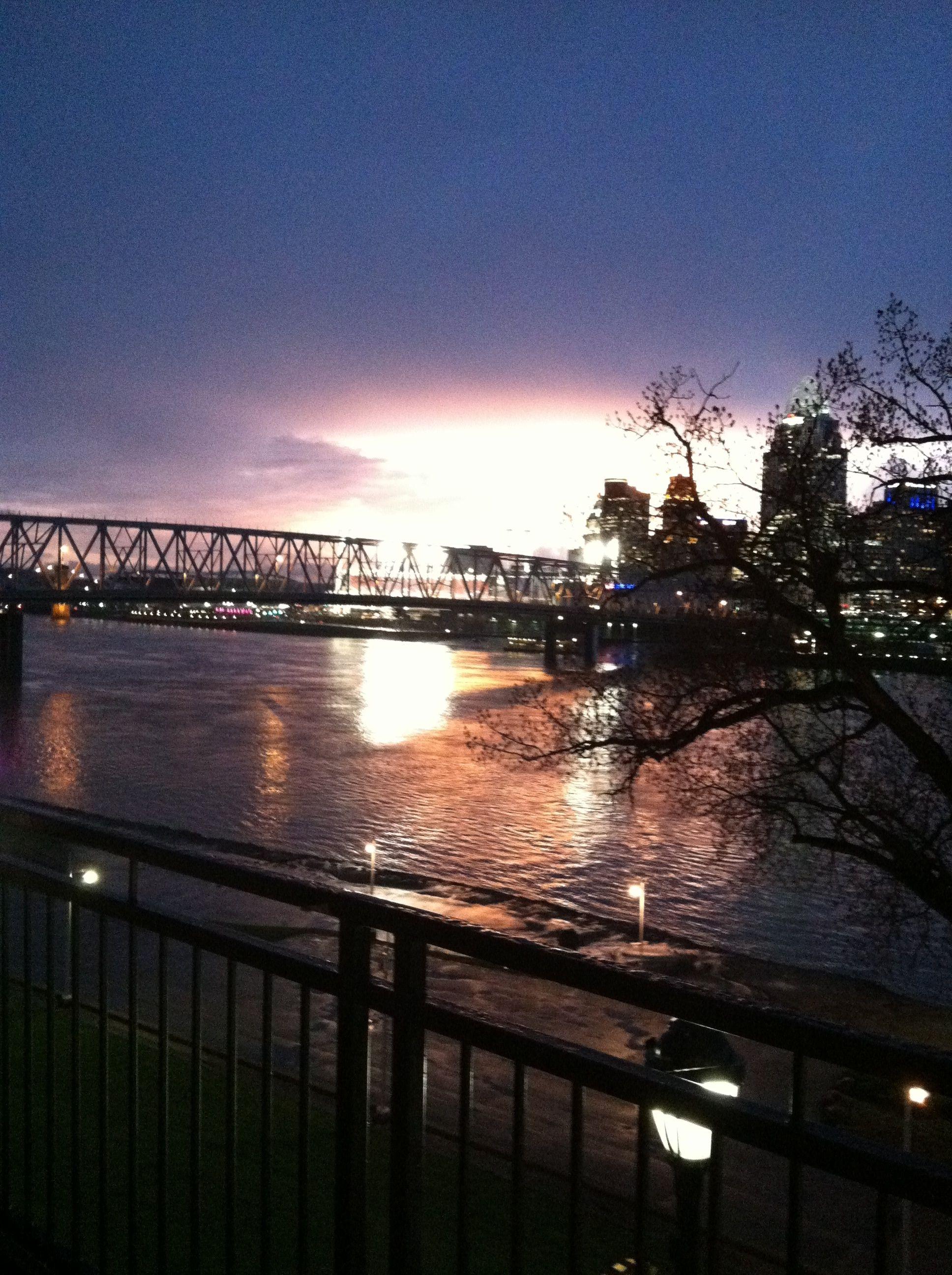 Cincinnati singles night
