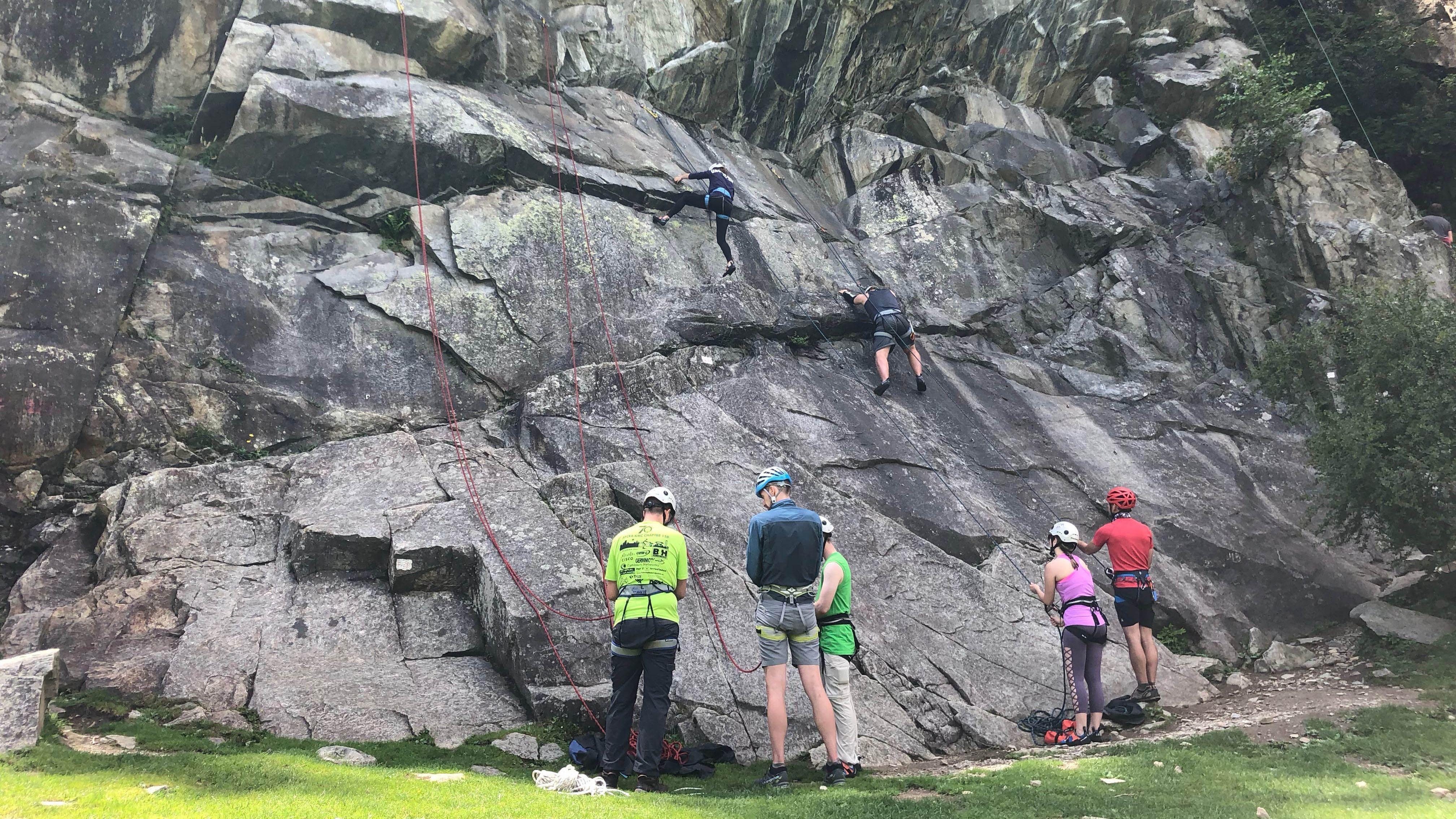 Outdoor Climbing Course 1/3 - Introduction to Outdoor Rock Climbing