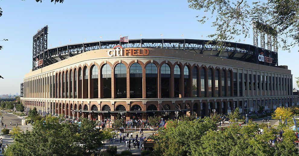 New York Mets Fans in Los Angeles