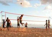 Чиновники Петербурга отличились в пляжном волейболе (фото) .