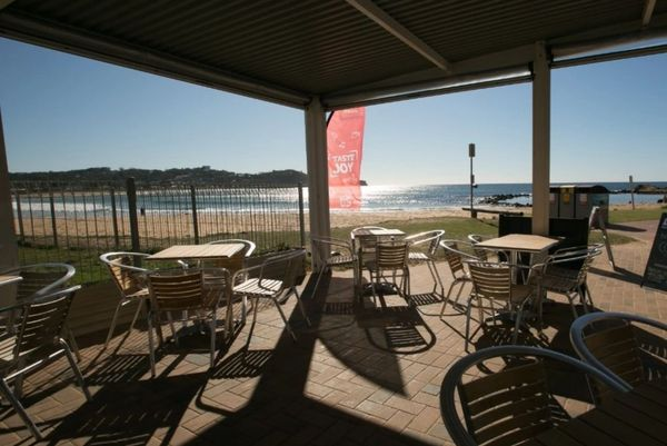 fish chips on avoca beach followed by a movie in the. Black Bedroom Furniture Sets. Home Design Ideas