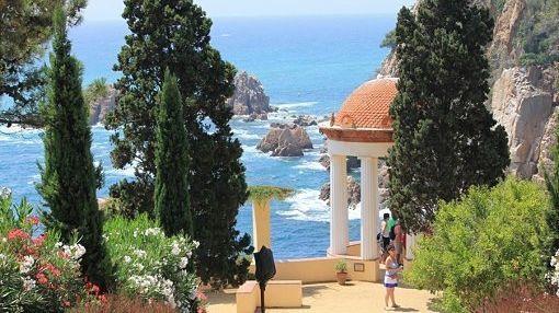 Descubre Tossa de Mar & Cala Giverola y disfruta del Jardín Botánico MariMurtra