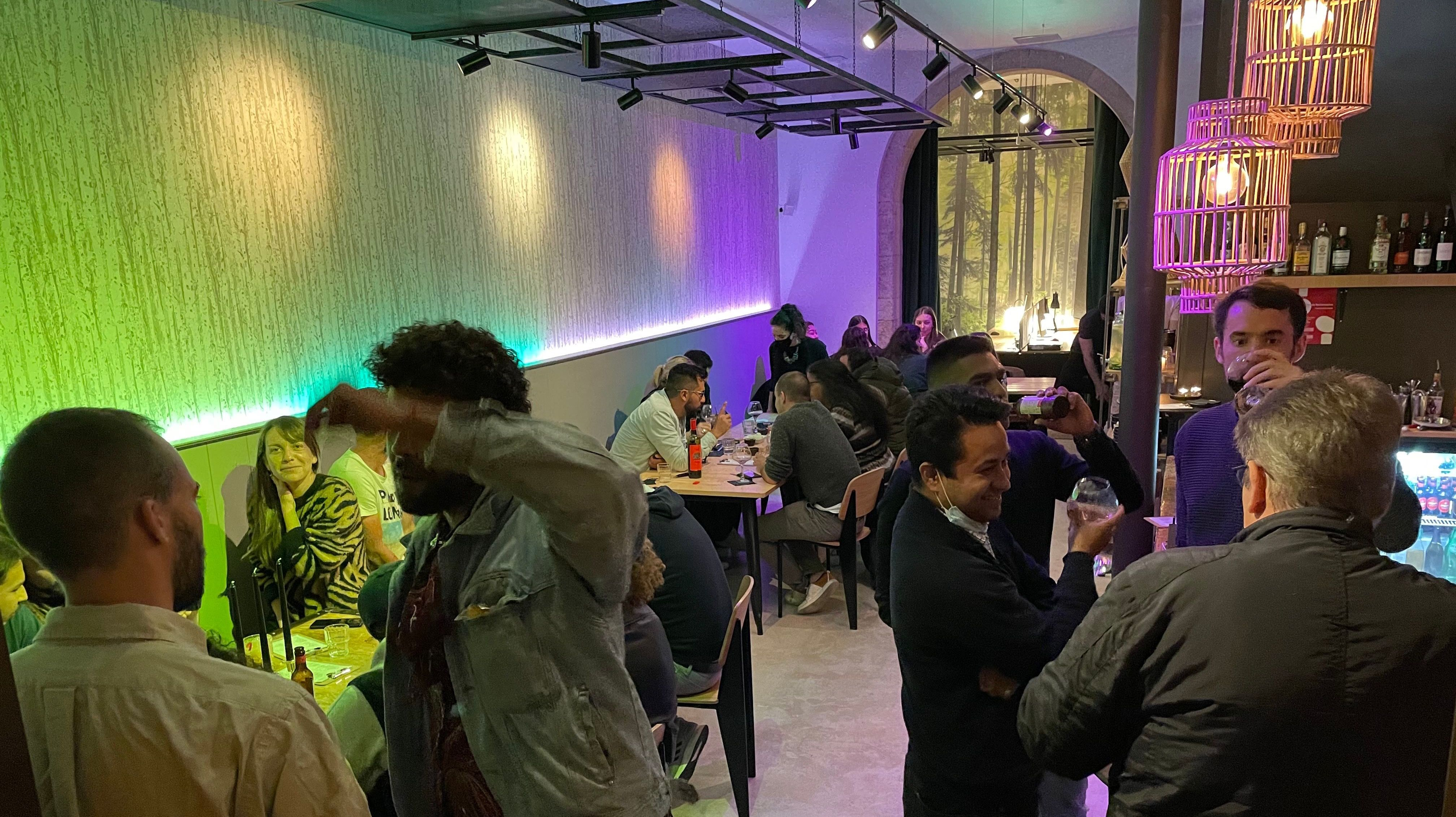 Sneaky Drinks - Friday International Afterwork Social