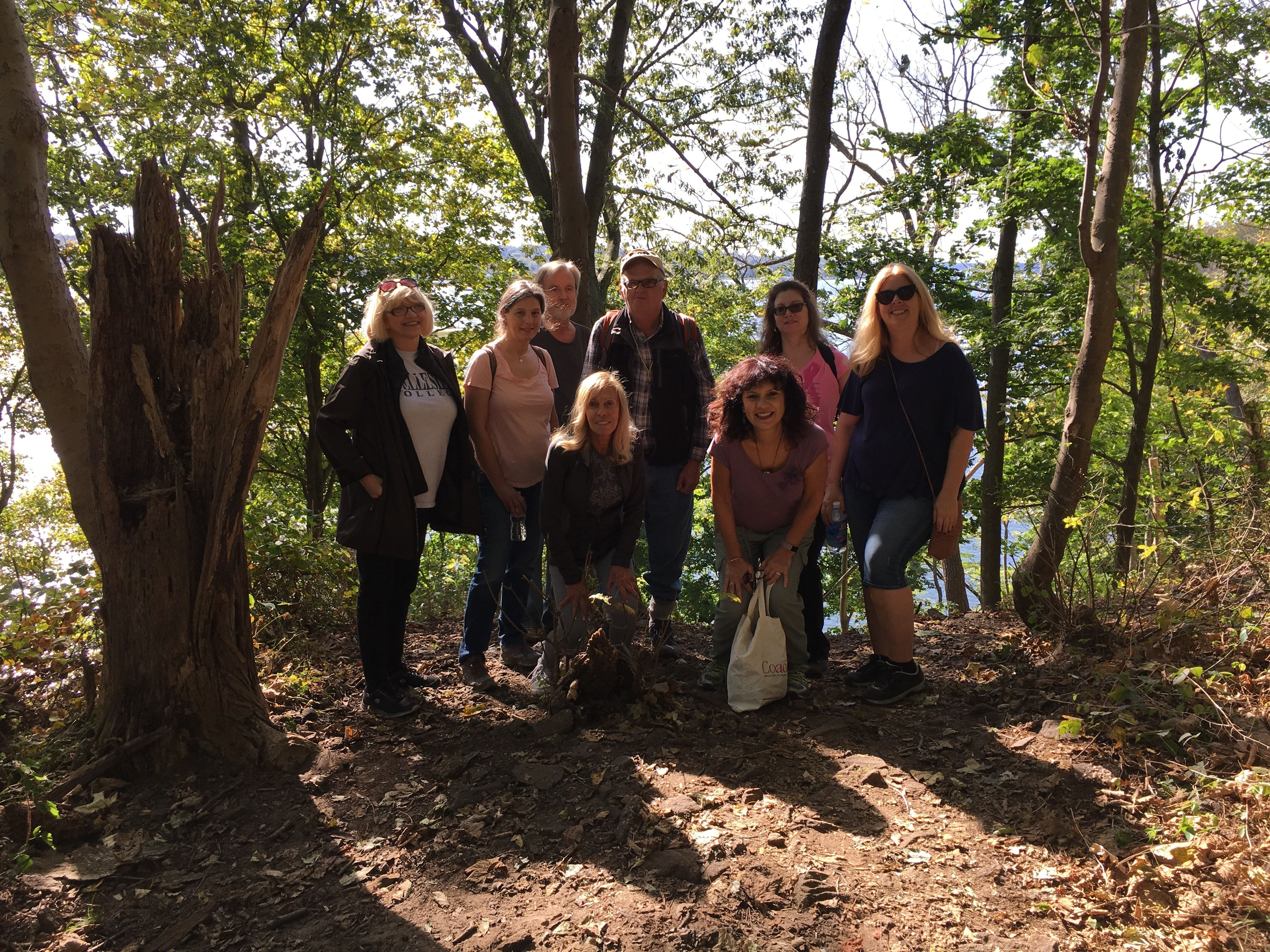 singles in hartshorne Let's do 6-7 miles of hill hiking in hartshorne woods we will meet at the rocky point parking area just before 9am, saturday, march 31 please try to come 5-10 mins early, so we can start hiking clos.