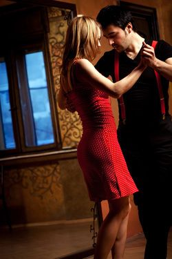 Island Street Salsa -  Lessons and Social Dancing