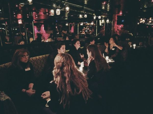 speed dating young professionals nyc Enjoy a night of sophisticated speed dating while meeting multiple singles in a relaxed environment with a dedicated host meet and mingle with stylish single professionals like yourself in a trendy lounge in the yorkville area.