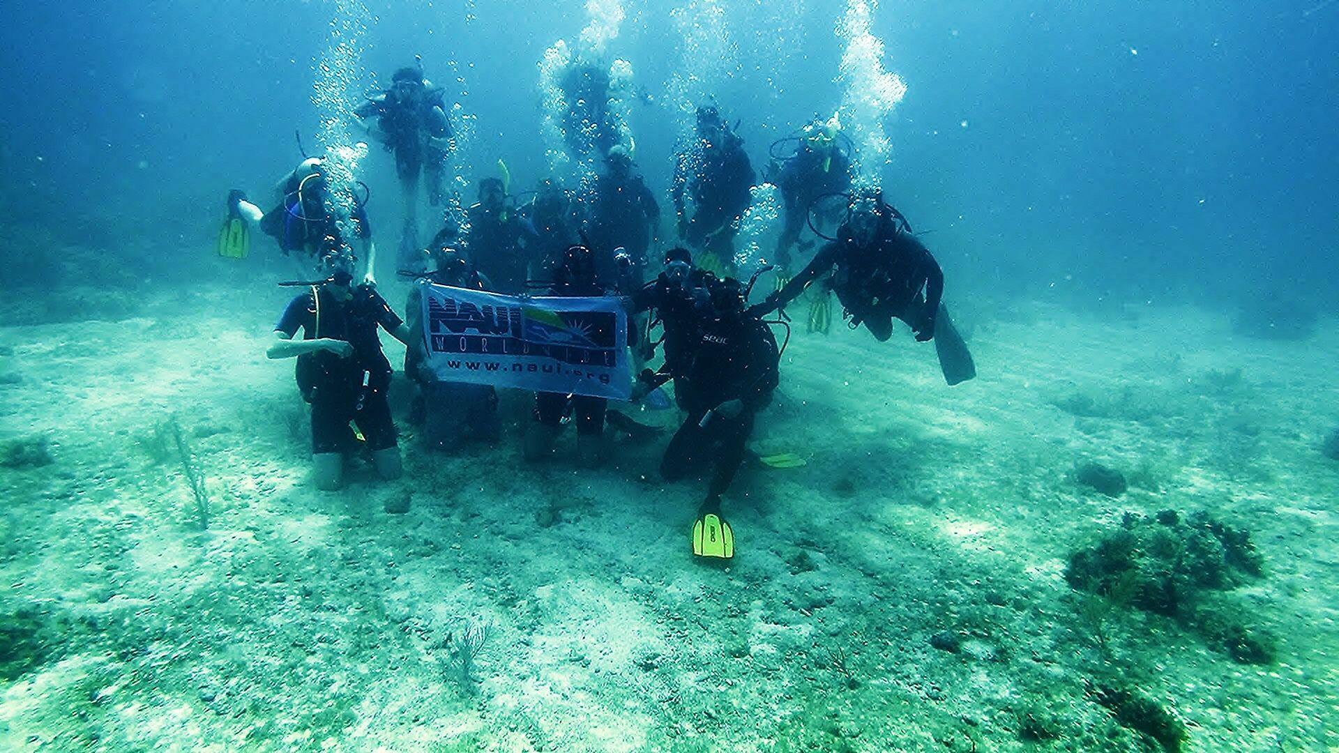 Scuba Connection Dive Team