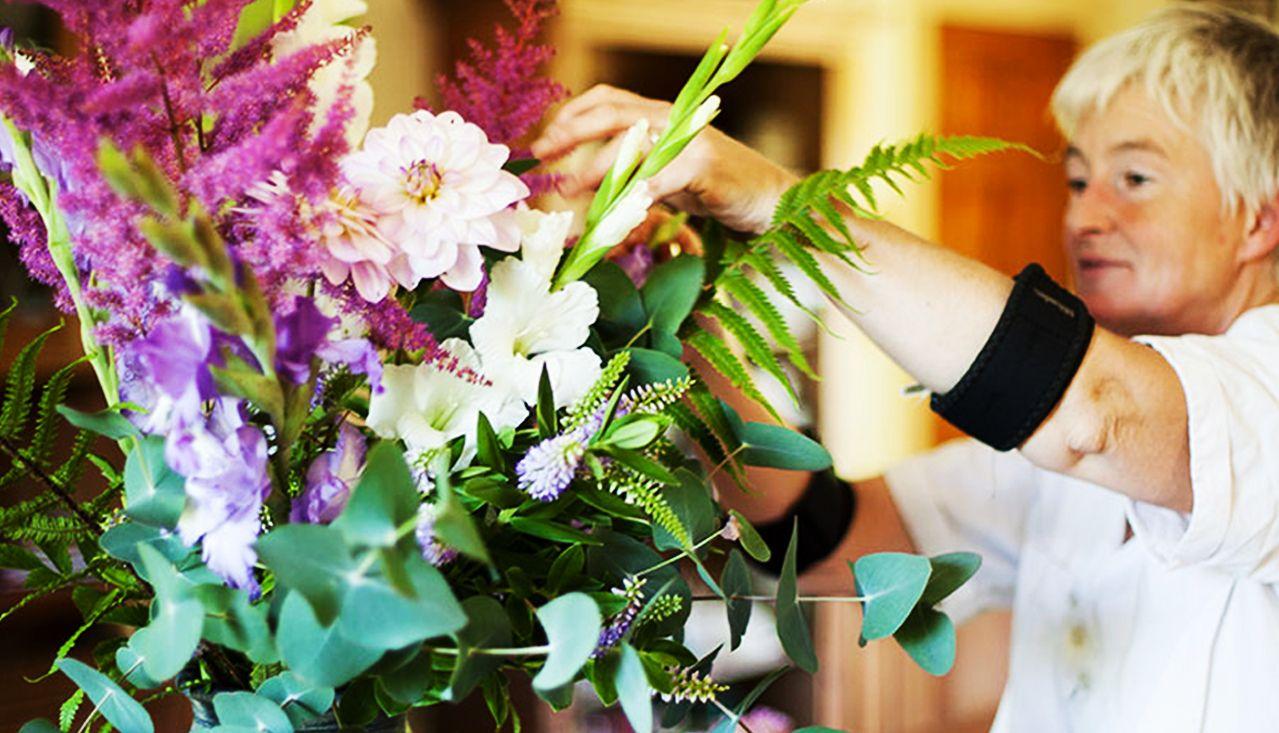 inspirational Wreath demo with BumbleBee Flower Farm