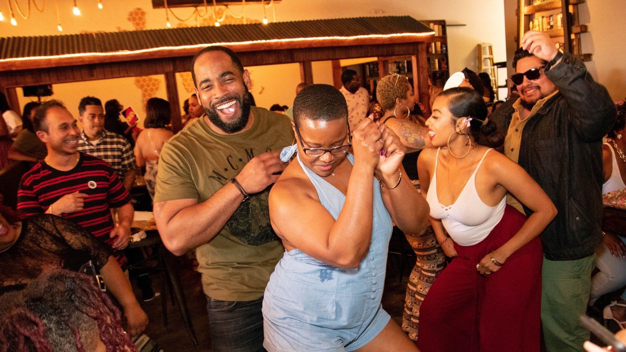 white women seeking black men cincinnati