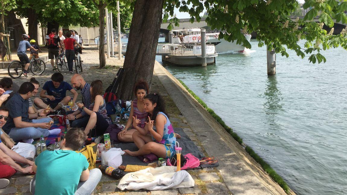 Paris es un picnic con latinos
