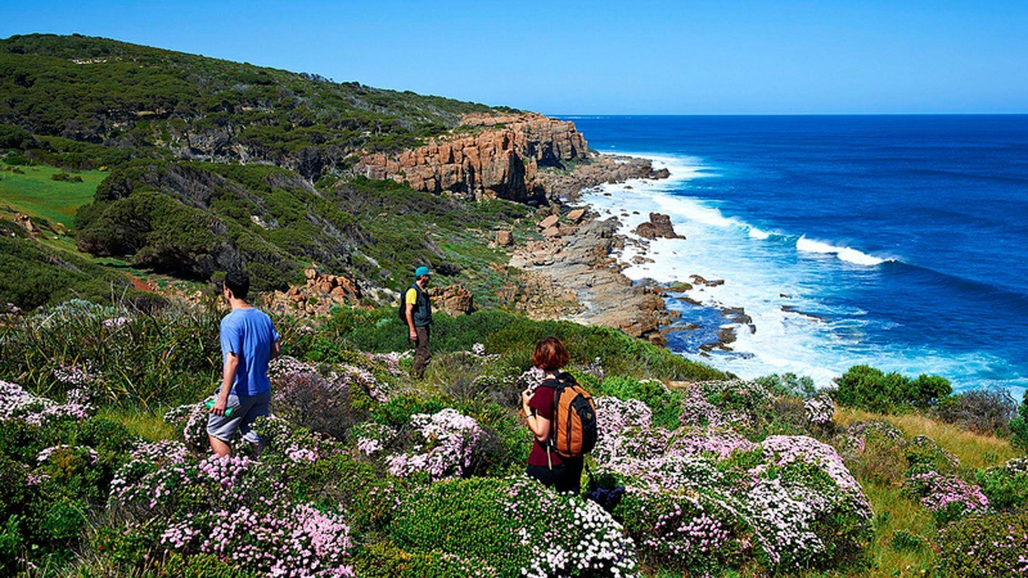 Trail Hiking Australia (WA)