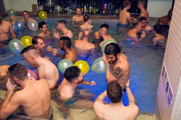 Gay in swimming pool