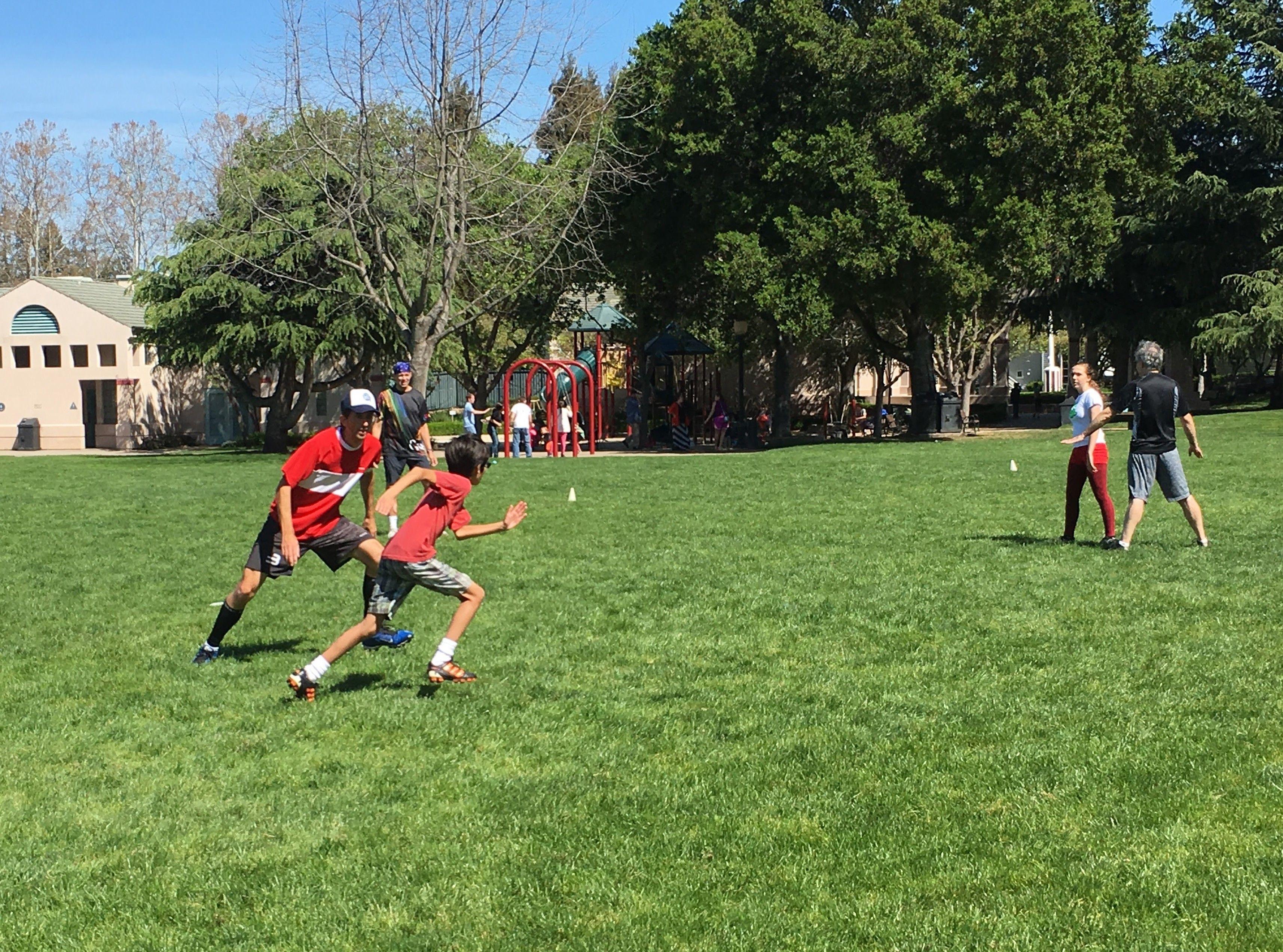 Kids and Parent's Ultimate Frisbee Pickup SF Bay Peninsula