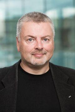 Lars U.