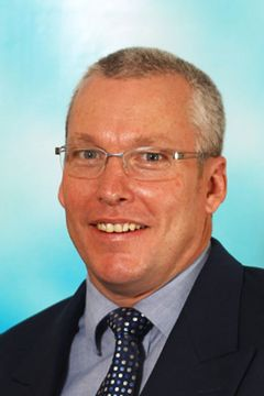 Paul de W.
