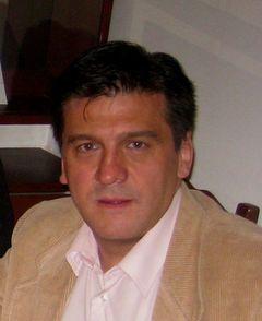 Camilo González C.