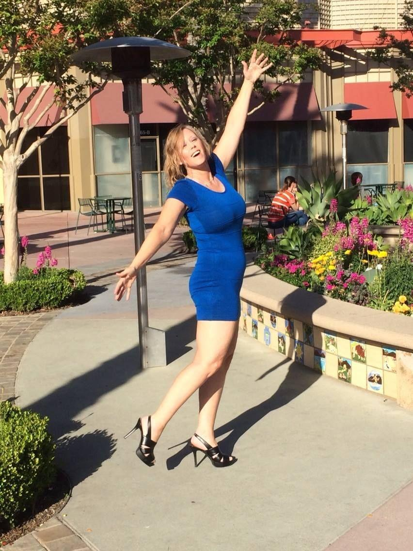 meet simi valley singles For years the words simi valley were synonymous with a verdict that let  we  would meet girls and they would go, 'ewww, simi valley,' and walk away  his  girlfriend's friend was dating a guy who owned a plane, and the.