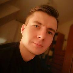 Tomasz B.