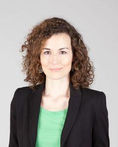 María B.