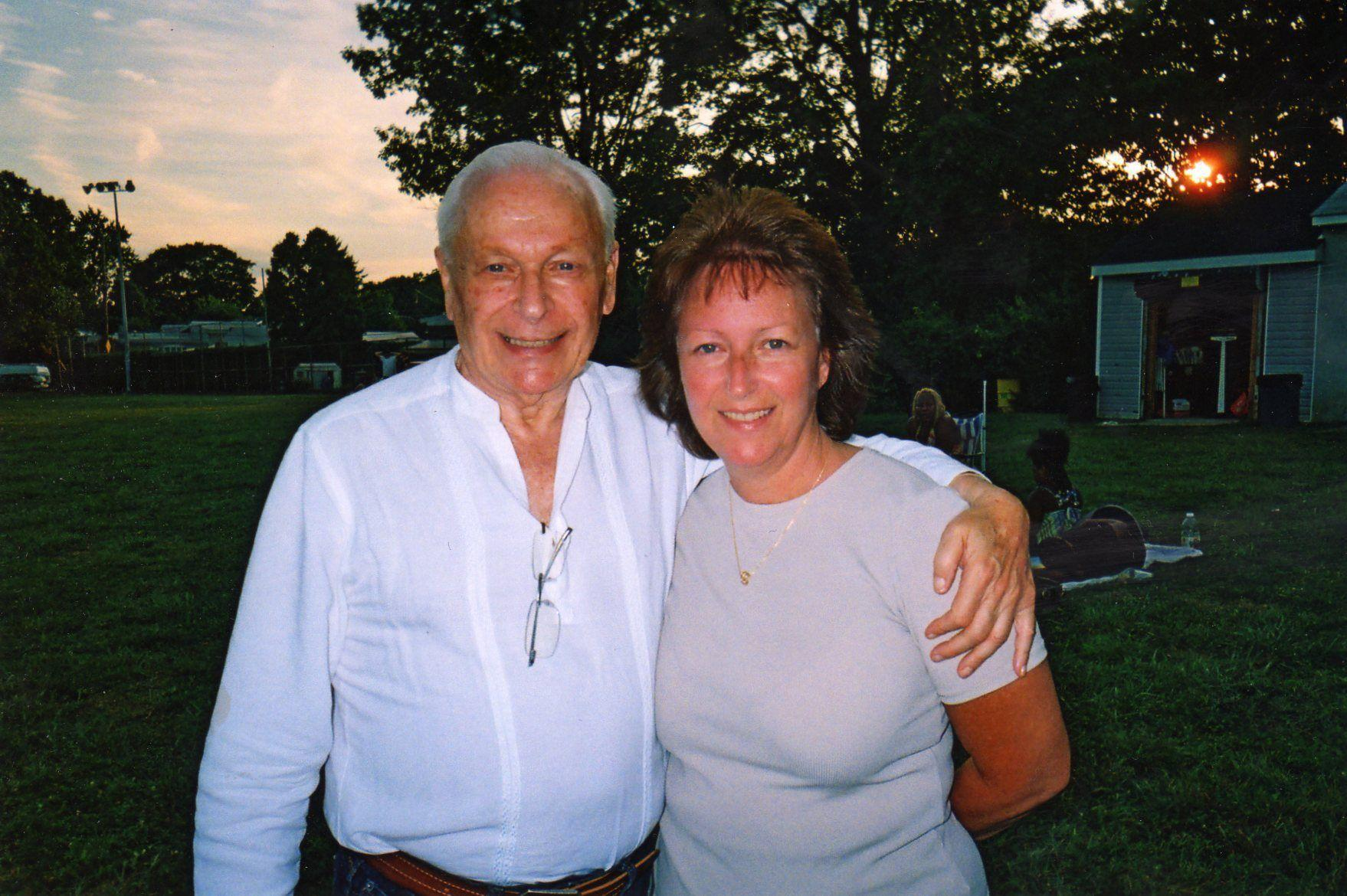 Meet Singles Over 50 in Warminster PA