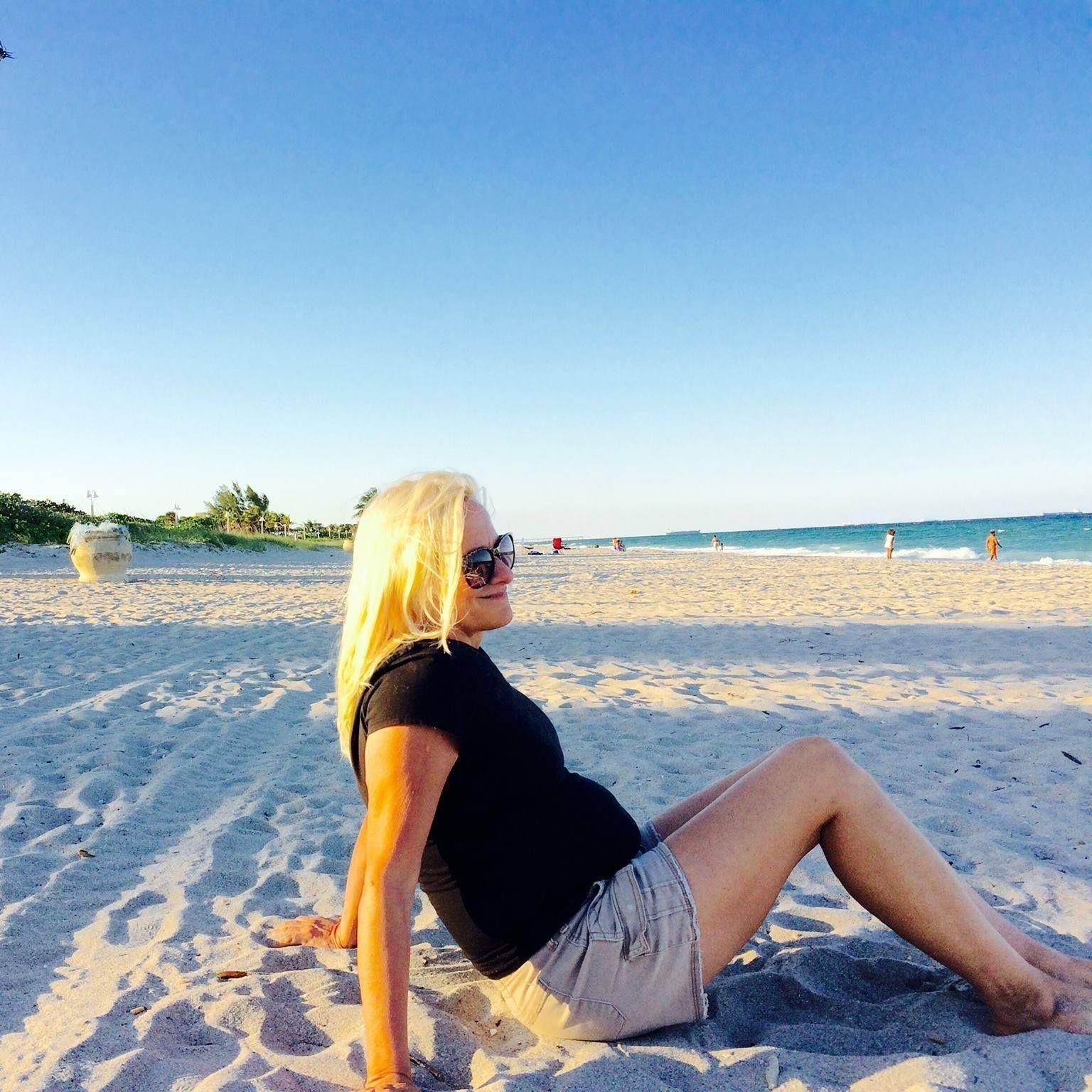 hallandale single girls Meet hallandale singles online & chat in the forums dhu is a 100% free dating site to find personals & casual encounters in hallandale.