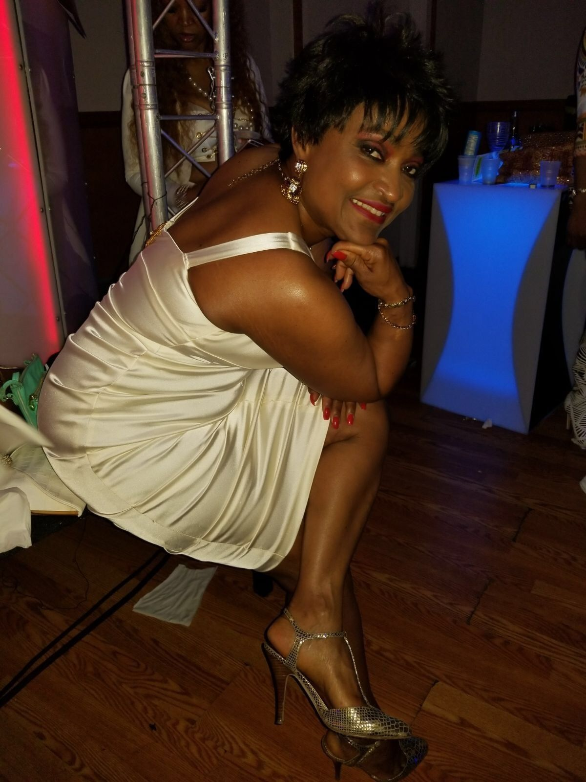 lenore singles over 50 Lds singles online personals and lds dating for lds singles  handsome lds men ages 50 and up  this is my first foray over here,.
