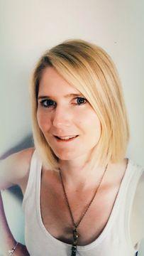 Isabelle Van L.