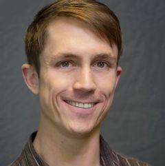 Alex R M.